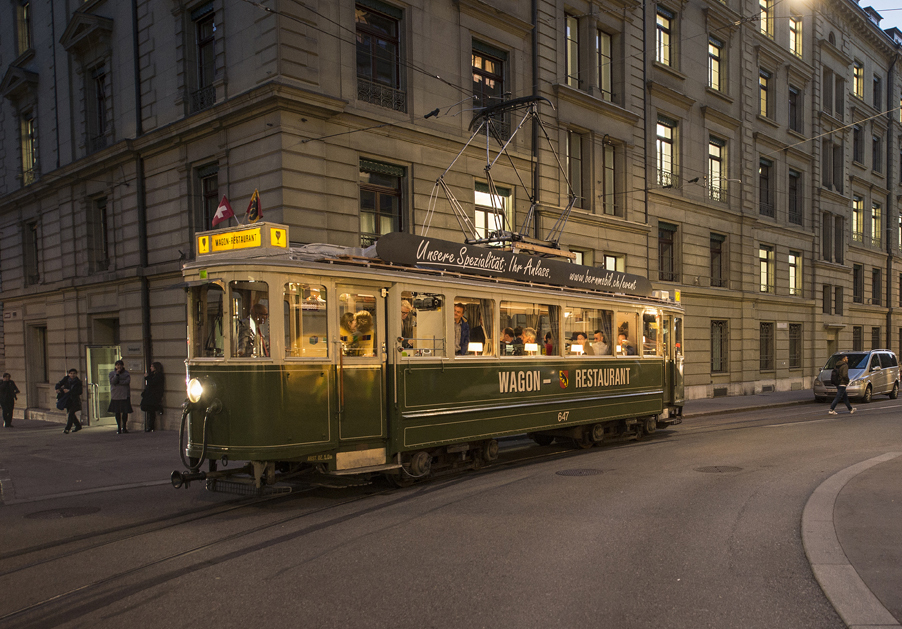 innenarchitekt-objekt-13-Innenarchitektur-umbau-tram-bernmobil-restaurant-gastrokonzept-34